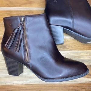 Vionic • Madeline Brown Leather Ankle Boot Tassel